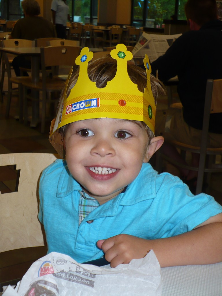 kid in a Burger King crown